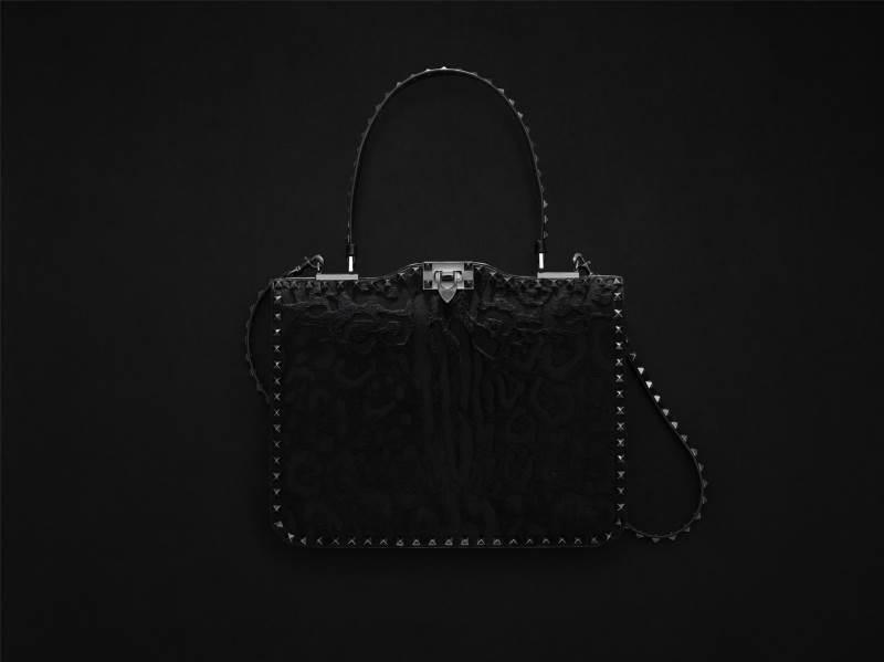 14702-women-s-accessories-rockstud-noir