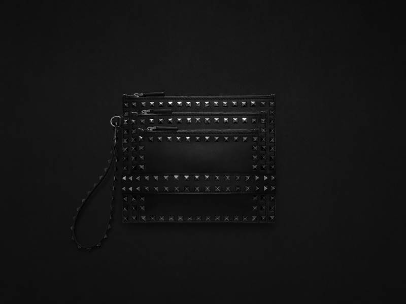 14704-women-s-accessories-rockstud-noir