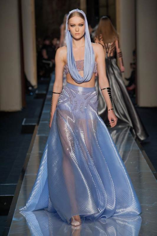 012114versace-atelier-haute-couture-spring-2014-pfw23