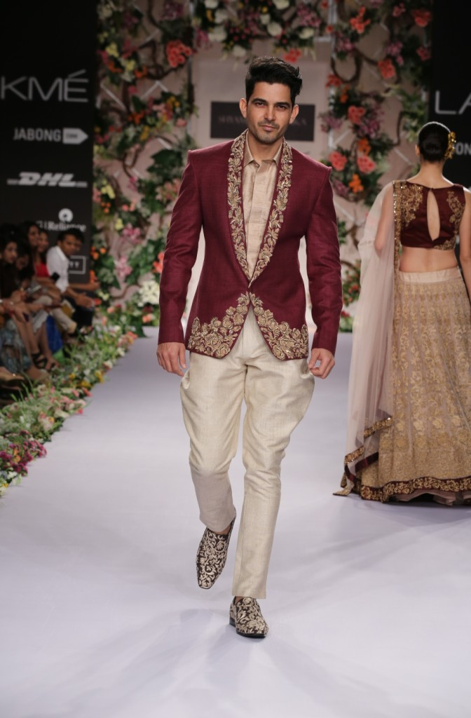 Shyamal and Bhumika at LFW SR 2014 (5)
