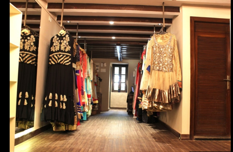 The Clothing Rental store (1)